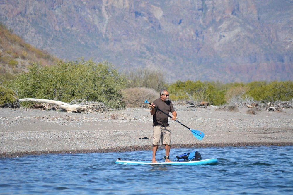 Tom tries out a standup paddle board!