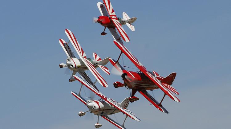 Biplanes (2).jpg