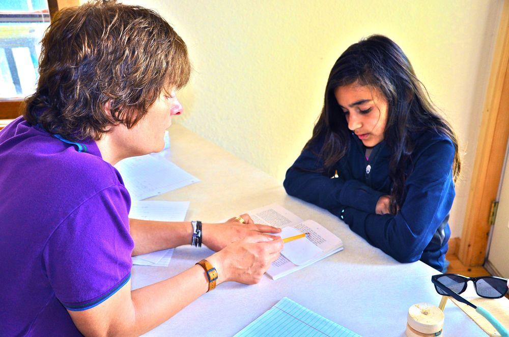 ana-loves-reading-in-tutoring1.jpg