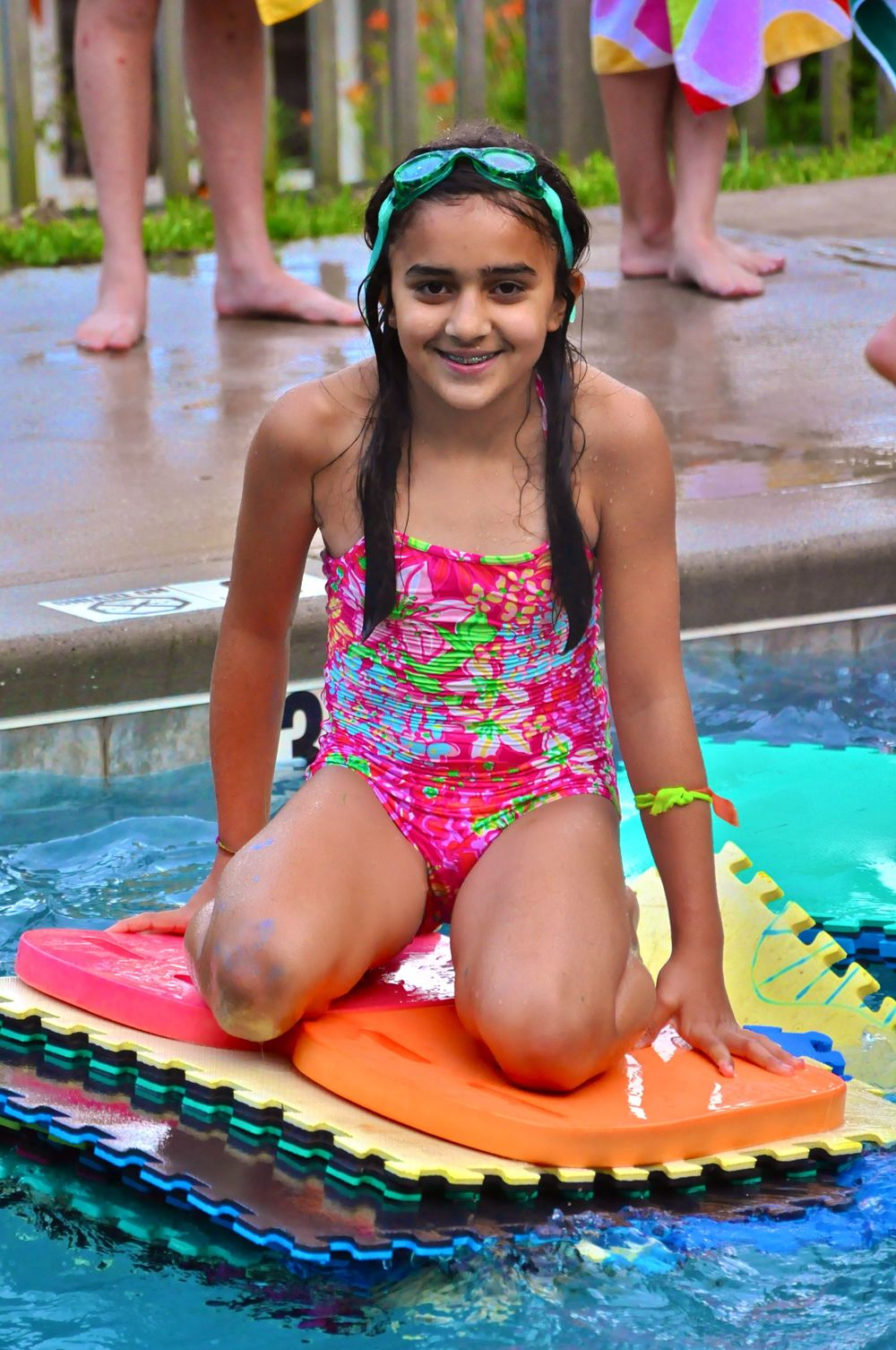 ana-has-built-herself-a-raft-during-free-swim.jpg