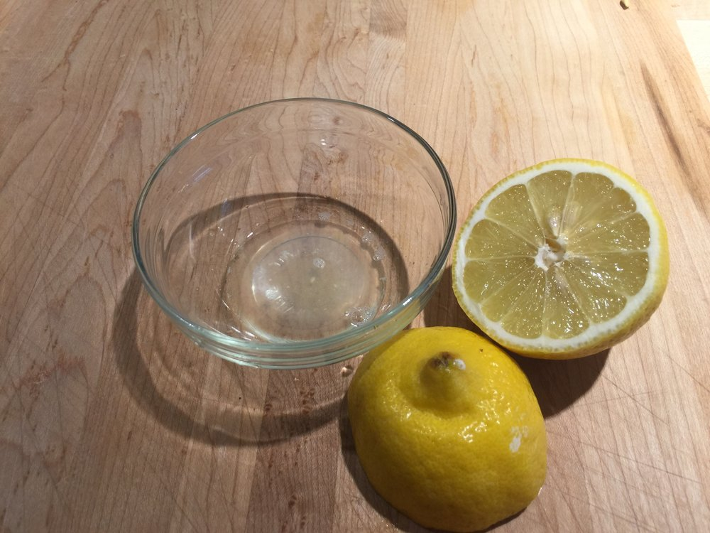 Don't forget the lemon juice...(like I did in the mise en place photo)