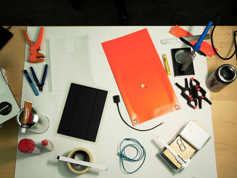 DIY SOLAR CHARGER - DIY Solar charger workshop for SYKE