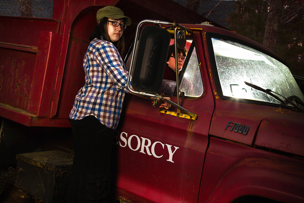 3_Claire_Lucy_In_Truck_Img_0081-2.jpg