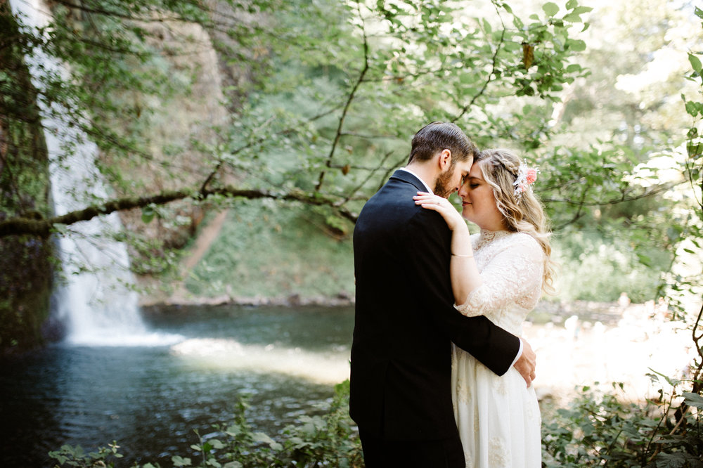 Columbia River Gorge Elopement Horsetail Falls