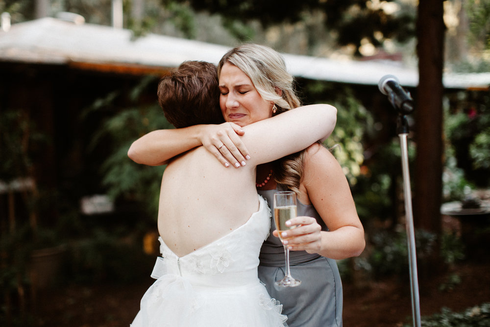 Candid Oregon wedding photographer
