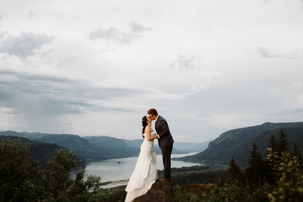 Crown Point Columbia River Gorge wedding photos