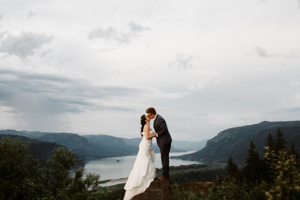 Crown Point Columbia River Gorge wedding photos