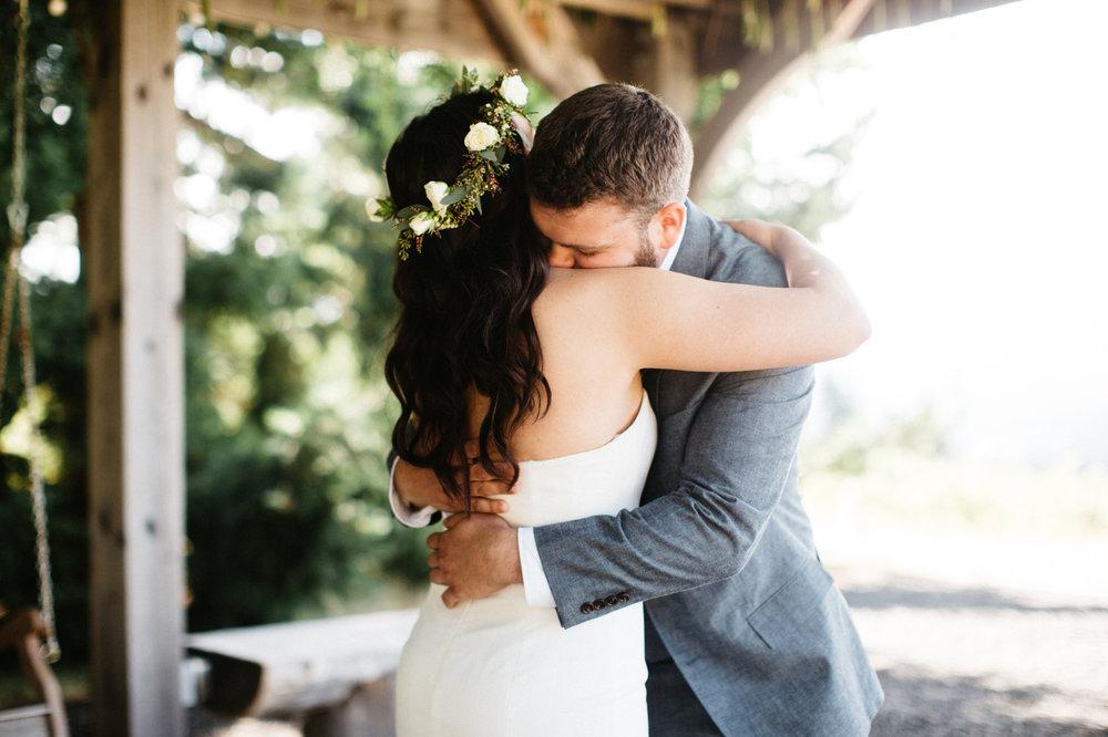 Gorge Crest Vineyards Wedding Photographs
