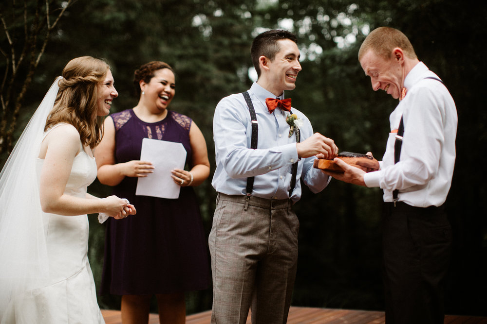 Portland oregon documentary wedding photographer