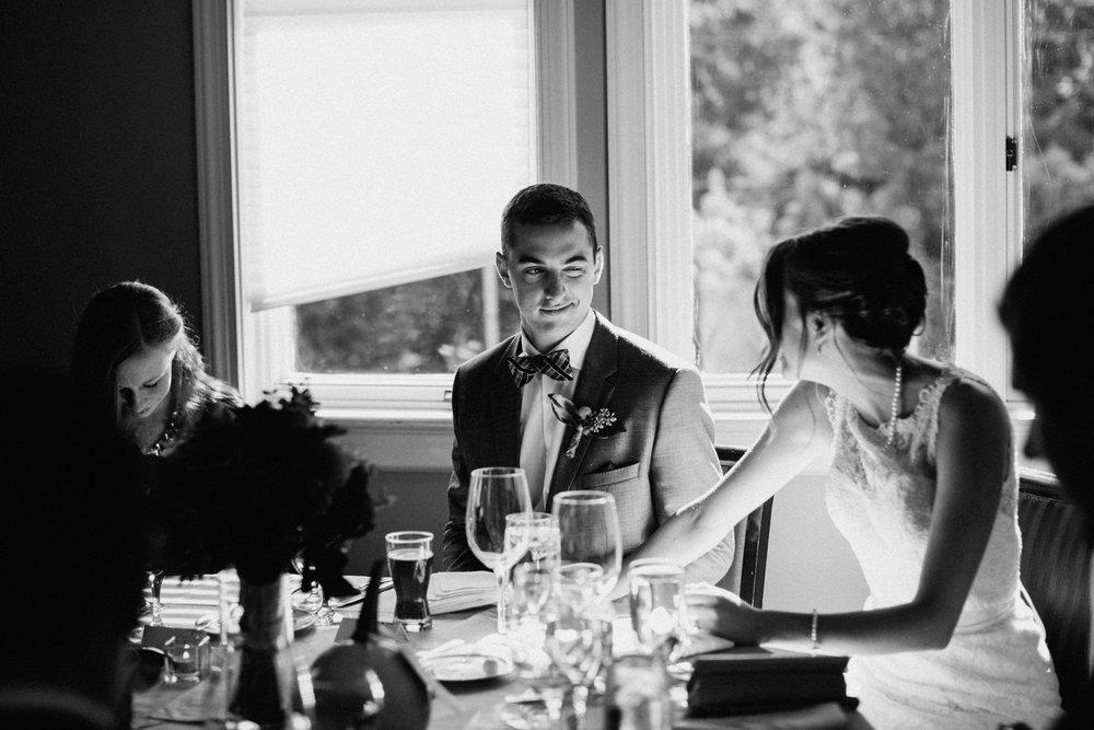 Portland oregon candid wedding photographer