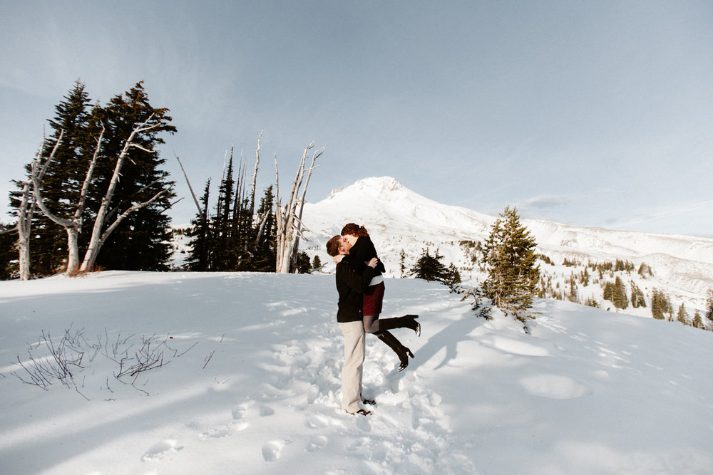 Mt. Hood engagement photographer