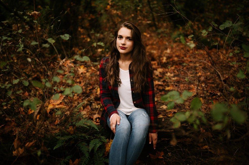 Dark and moody senior photos in Portland, Oregon