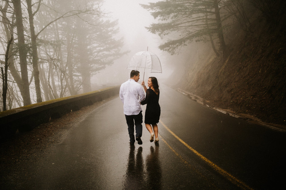 Winter engagement photos in the Columbia River Gorge