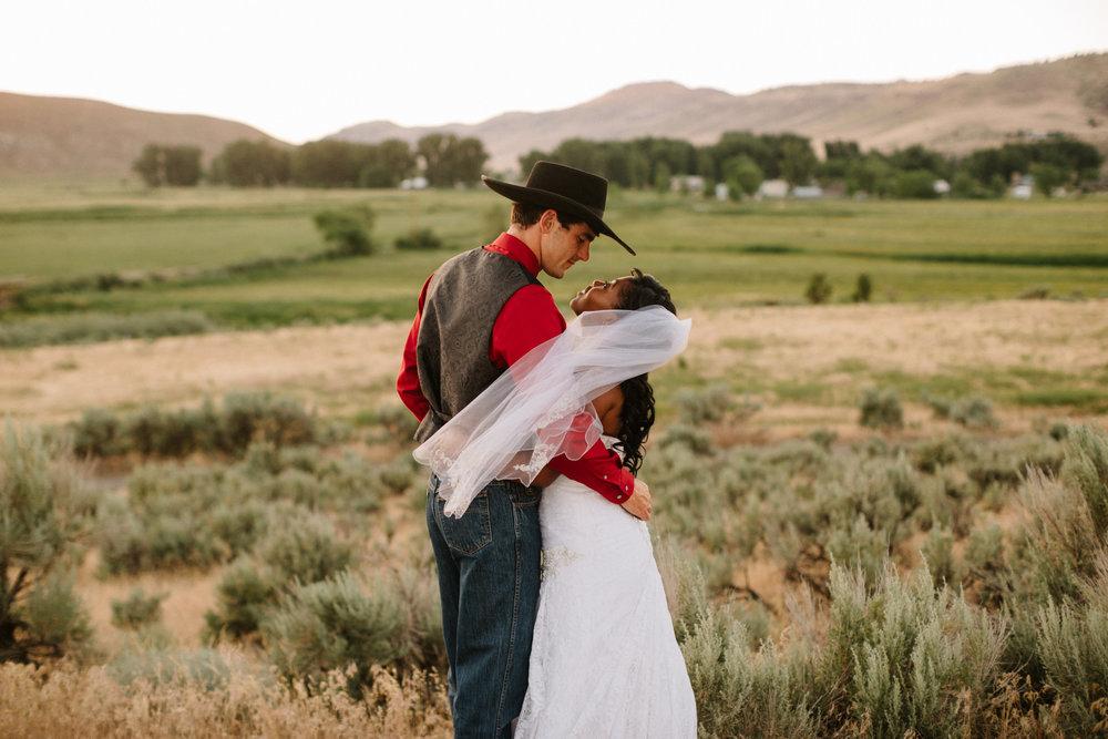 Eastern Oregon Wedding Photographer