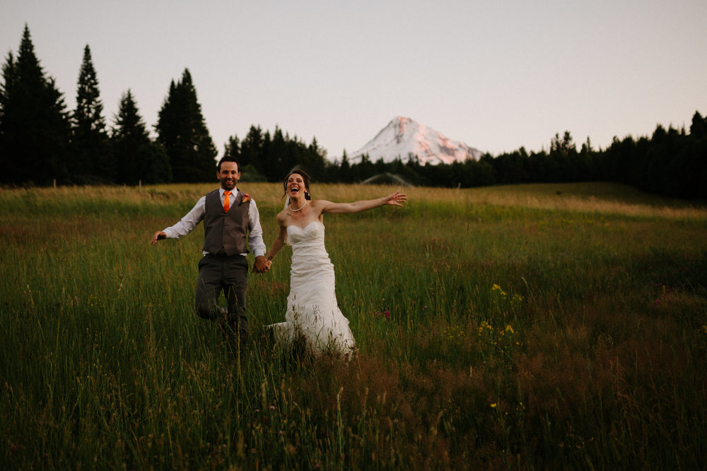 Mt. Hood Bed and Breakfast wedding photographer