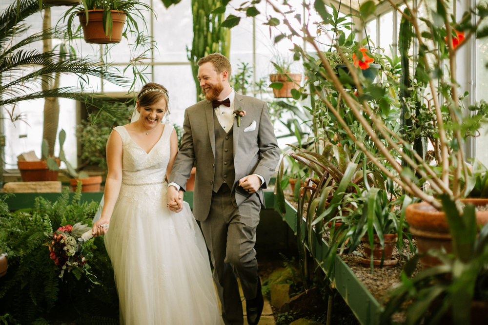 Deepwood Estate Wedding in Salem, Oregon with photos taken in the greehouse by Katy Weaver Photography