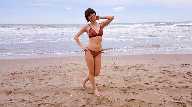 """Te añoraba... ""✨nuevo post✨ 🌴🌊🙏🏼🐚 (link in bio 👆🏼) #beachtime #bikini #goodvibes #holidays #spring #laflordelotto #newpost"