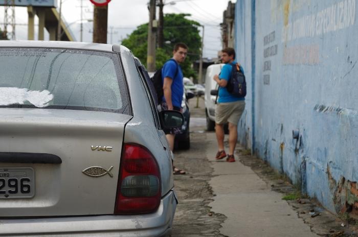 leaving Complexo de Alemão