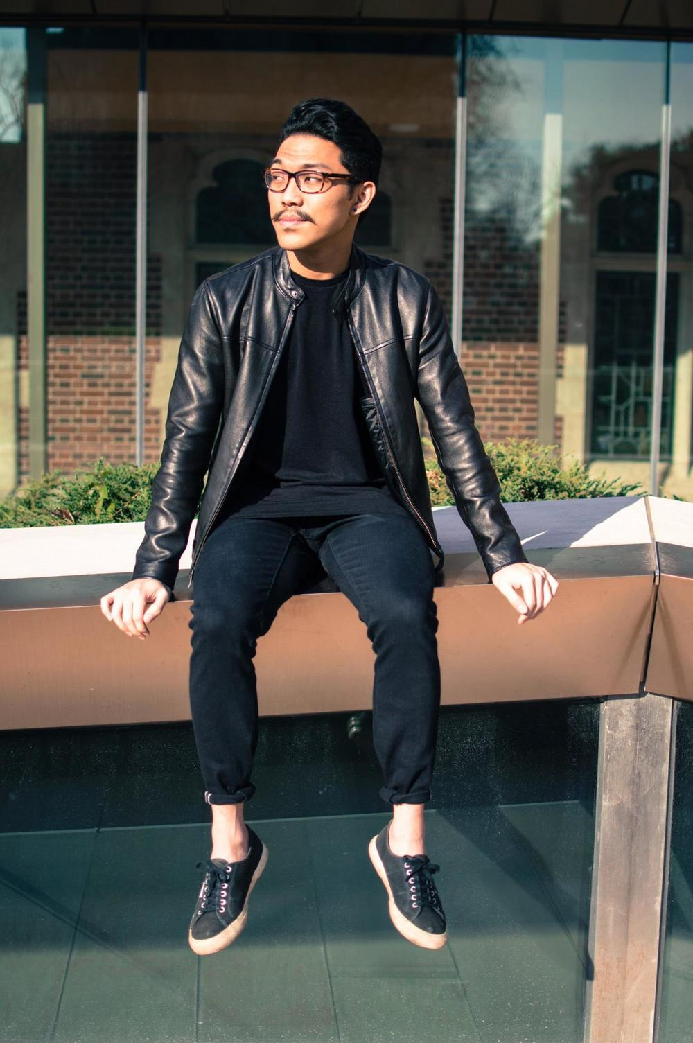 Wearing: New Look longline tee, Banana Republic leather jacket, Uniqlo jeans, Superga sneakers