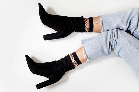tendance-résille-fishnet-socks-chaussettes-bas-trend-2017-sneakers-adidas-streetstyle-inspiration-pinterest-blog-mode-r.jpg