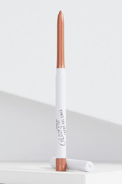 Copper Eyeliner - As someone with brown eyes, I am eternally looking for ways to make my eyes look a little more distinctive. The easiest way to do this is with copper eyeliner, which can be applied to simply the bottom lid if you want a tiny pop of color, or to the entire lash line for some added drama. I love Colourpop's Get Paid Gel Liner and Nudestix' Eye Color in Burnish. Image via
