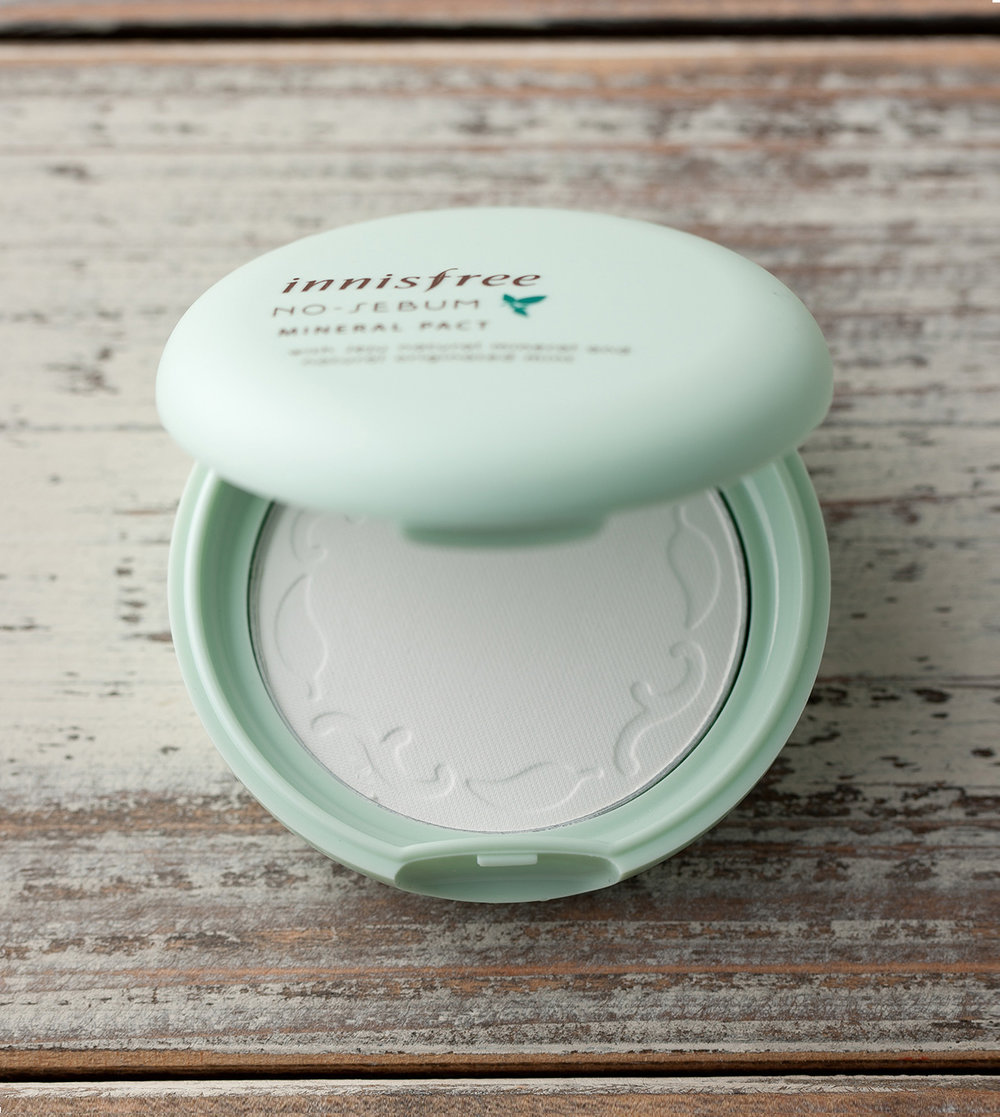 Innisfree No-Sebum Mineral Pact - I was in desperate need of a setting powder, so I initially gravitated towards Laura Mercier's Translucent Mineral Powder. But to my horror, my skin broke out each time I used it. Giving it to my mom, I was on the hunt for a new setting powder and while I was in Korea, grabbed this one from Innisfree. Innisfree is known for its natural products and its No-Sebum pact is one of its most famous. Throughout my trip, I bought 4 in total and am still in love. Although white, the powder doesn't leave any residue behind and leaves my skin both matte and poreless.