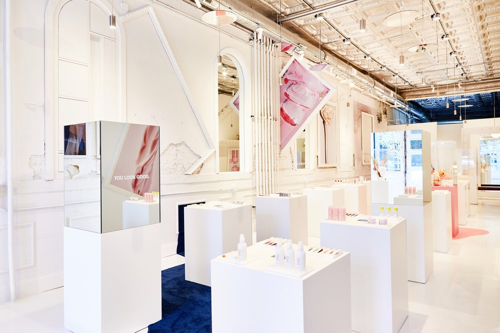 The Glossier Chicago popup. Image  via .