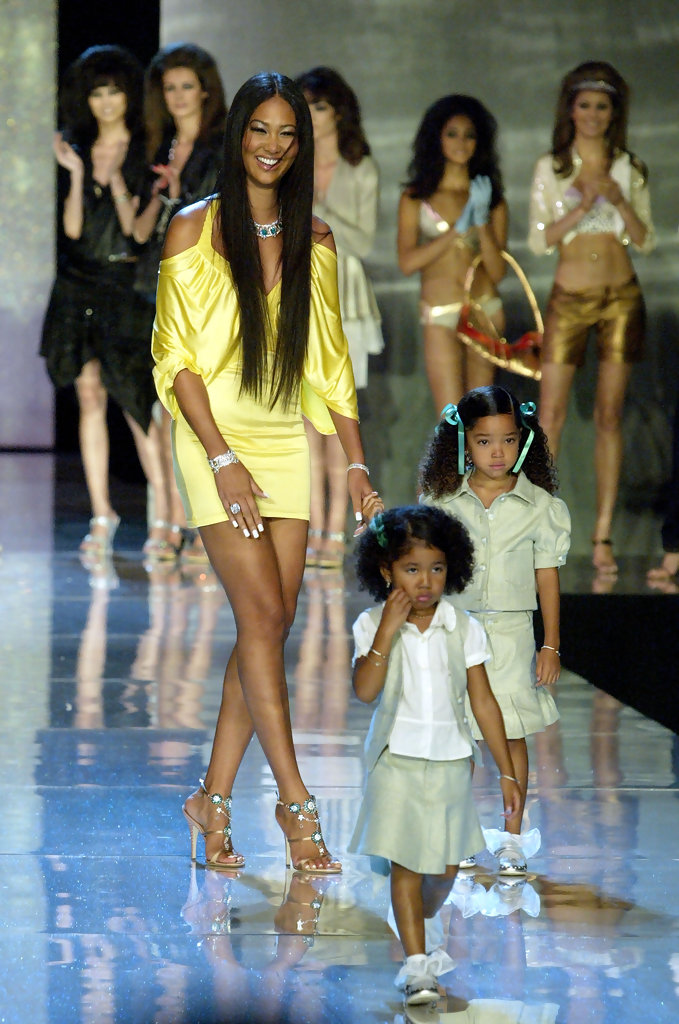 Kimora Lee Leissner and her two daughters, Aoki and Ming Lee Simmons. Image  via