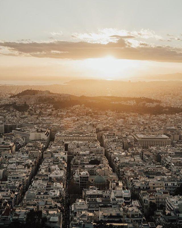 Aegean sunsets might be the best in the world. ⠀⠀⠀⠀⠀⠀⠀⠀⠀ ⠀⠀⠀⠀⠀⠀⠀⠀⠀ ⠀⠀⠀⠀⠀⠀⠀⠀⠀ #OptOutside #Travel #WanderLust #ExploreToCreate #LiveOutdoors #StayAdventurous #TheModernDayExplorer #Explore #VisualsCollective #ArtOfVisuals #AOV #LiveFolk #LifeOfAdventure #Sunset #AegeanSea #MountLycabettus #Lycabettos #Athens #Greece #Europe