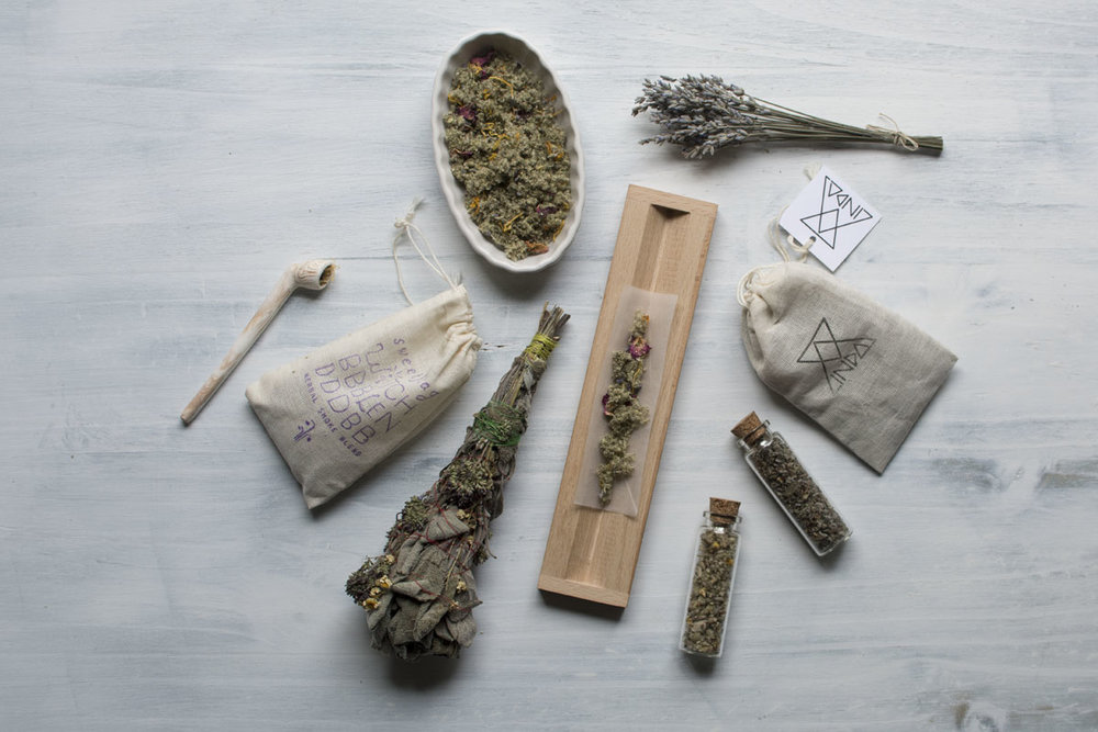 smokeable-herbal-blends-hempsley