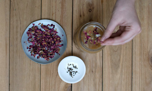 rose-coffee-recipe-1-levo-cannabis-hempsley-july2017-rose-petals.jpg