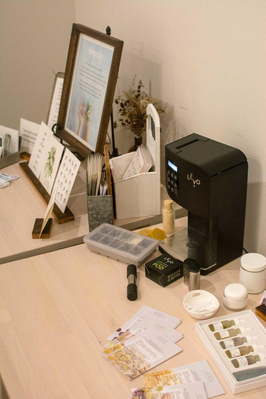 Verte Essentials +  LEVO
