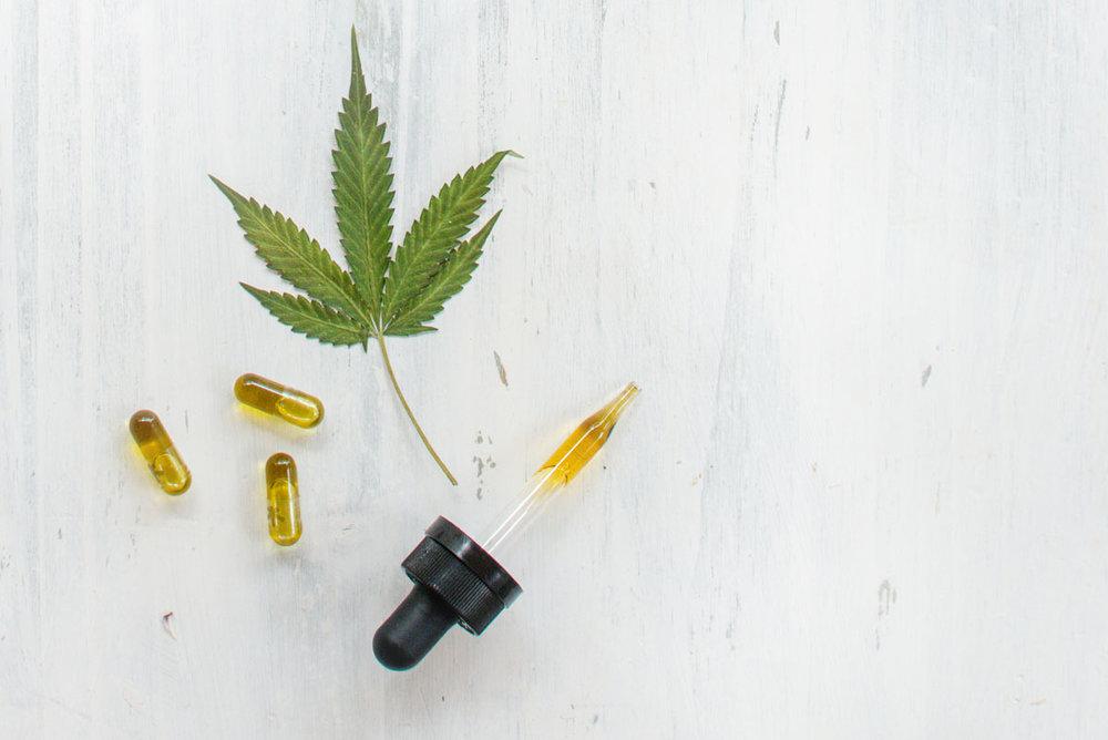 cannabis-tincture-capsule-hempsley.jpg