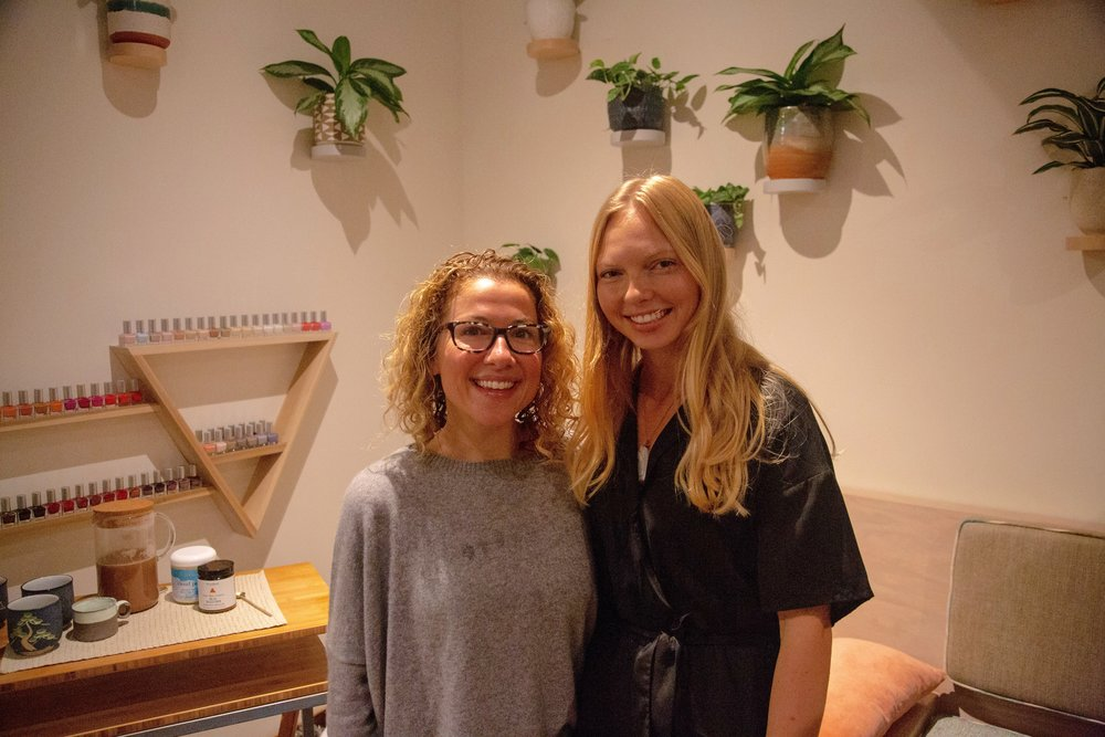 Dr. Aimeé Shunney ND (Right) and Magda Hjalmarsoson (Left)