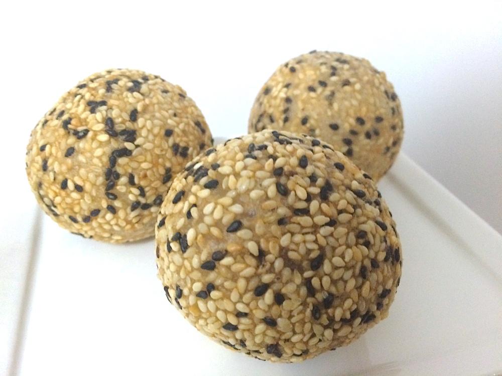 Sesame Red Bean-Paste Balls