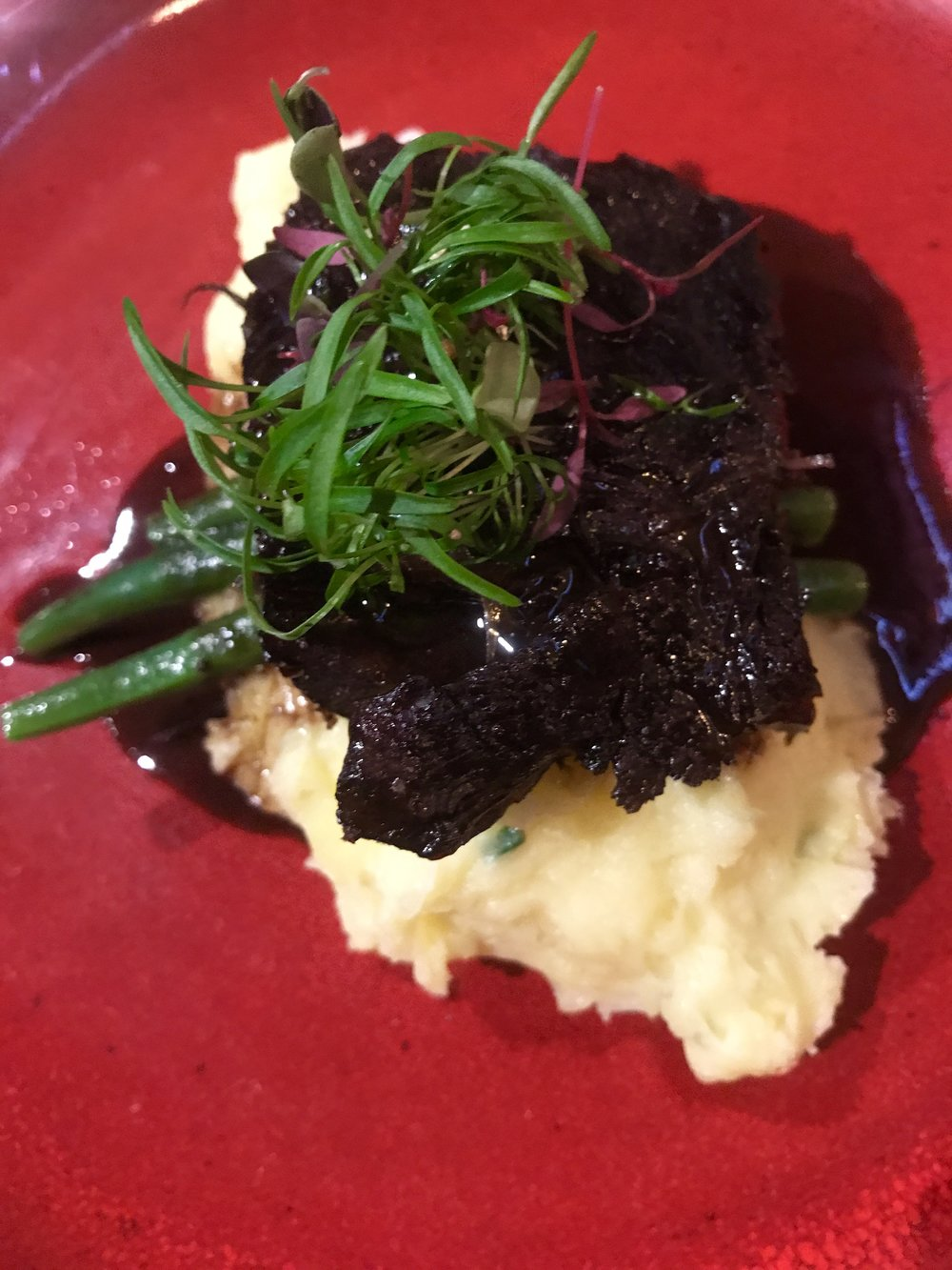 Slow cooked Harvey Beef cheek, olive oil and leek mashed potato, green beans and red wine jus (gf)