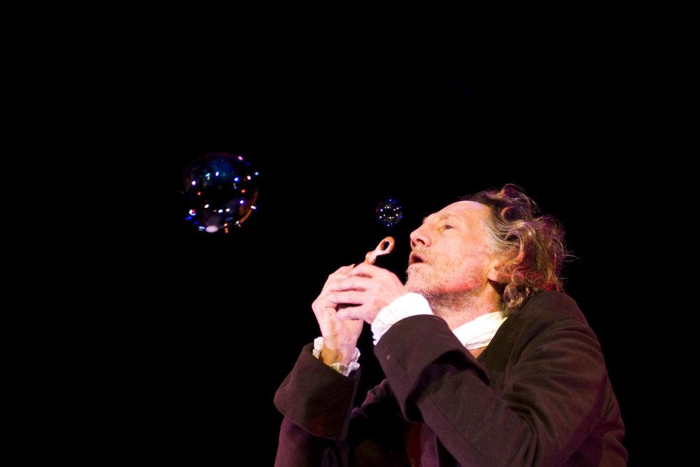 Hooke Bubble.jpg