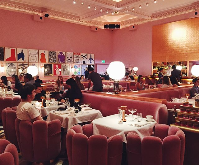Died and went to dusty pink velvety heaven today. What a dreammmmmmmmm 💕How people hide their full bellies and don't literally roll outta here I have no idea @sketchlondon #sketchlondon #davidshrigley