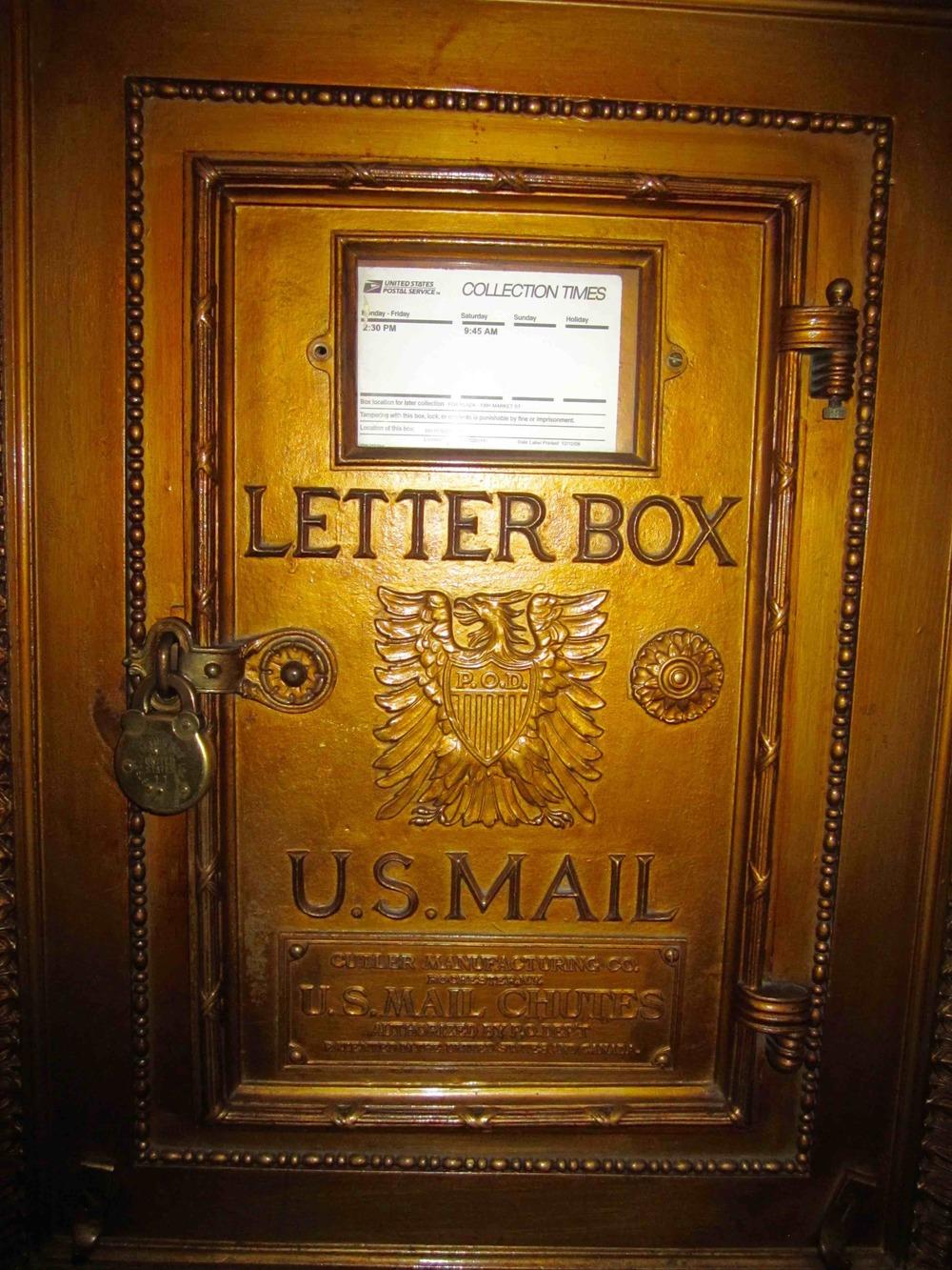 US Mailbox Fairmont Hotel San Francisco  Photo: Calvin Wood