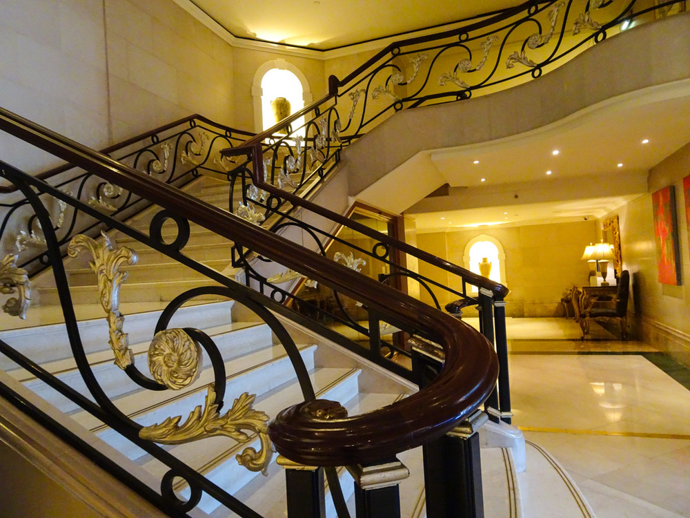 Lobby - Phoenicia Hotel Beirut   Photo:  Calvin Wood