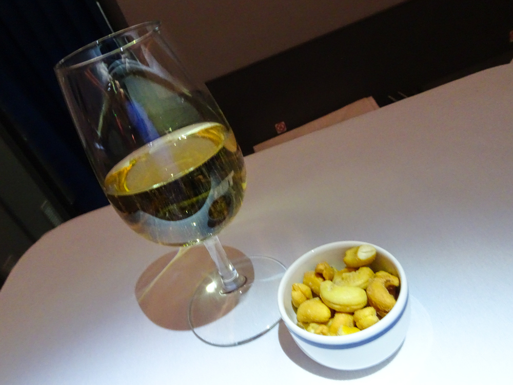 LOT Business Class - Champagne and Nuts