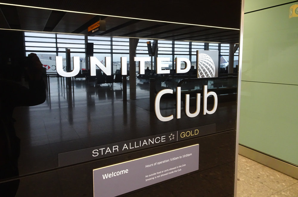 United Club Heathrow - Sign    Photo:  Calvin Wood
