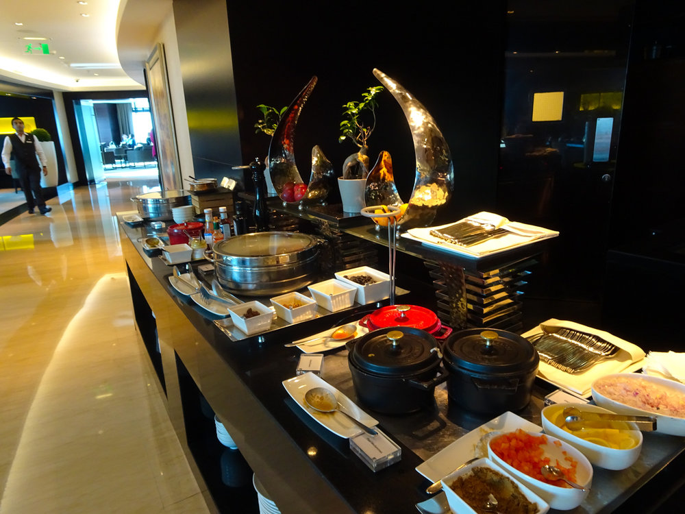 Snacks in the Executive Lounge - JW Marriott Marquis Dubai   Photo:  Calvin Wood