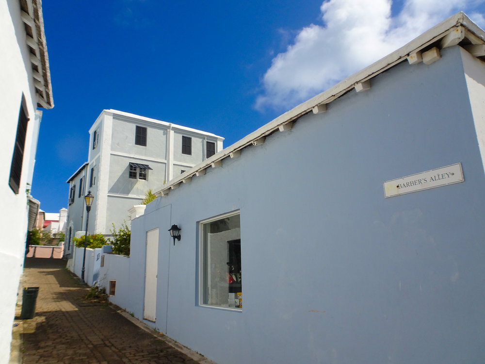 Barber's Alley - St. George, Bermuda   Photo: Calvin Wood