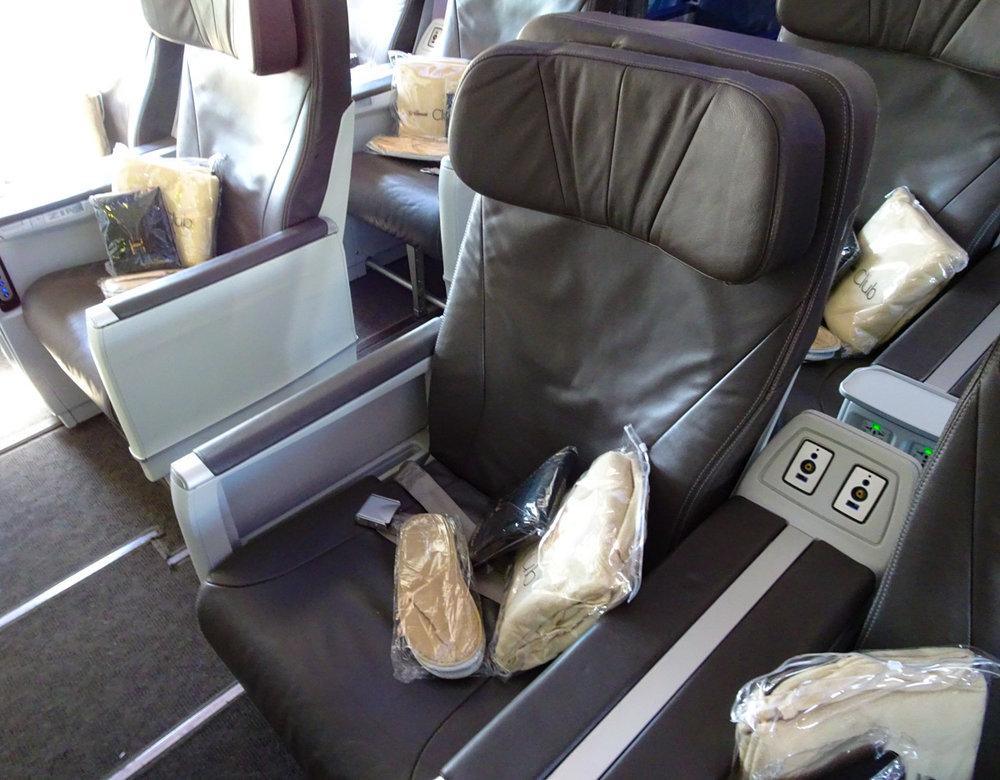 Club Class Seat - Air Transat  Photo: Calvin Wood