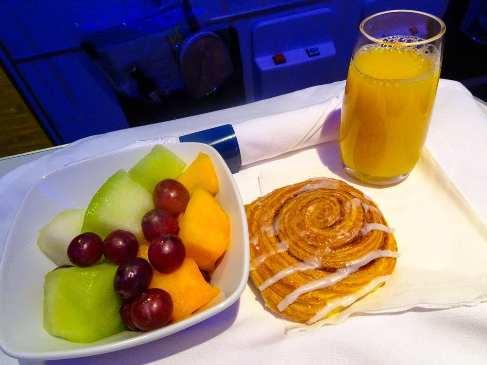 Breakfast - Club Class Air Transat  Photo: Calvin Wood