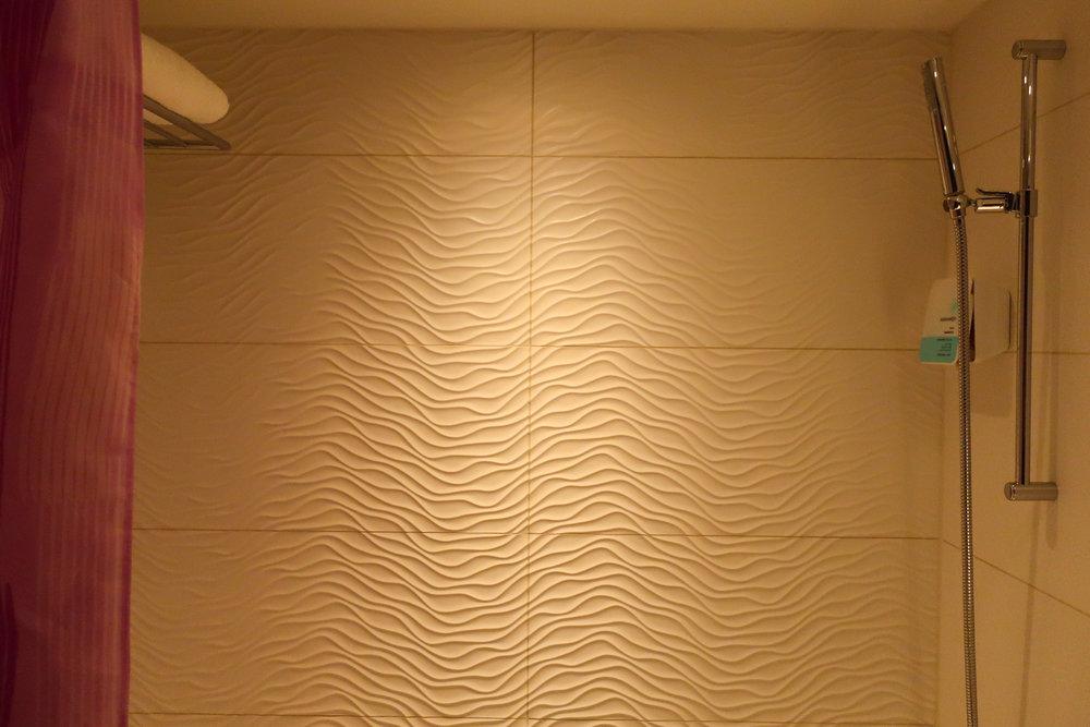 Shower - Absalson Hotel Copenhagen  Photo: Calvin Wood
