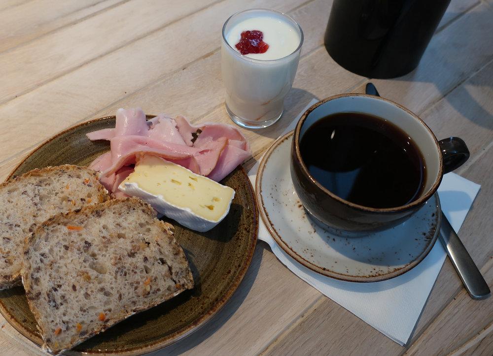 Breakfast - Absalon Hote Copenhagen  Photo: Calvin Wood