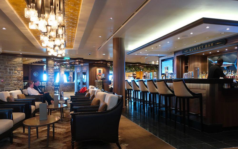 Sunset Bar - NCL Getaway  Photo: Calvin Wood