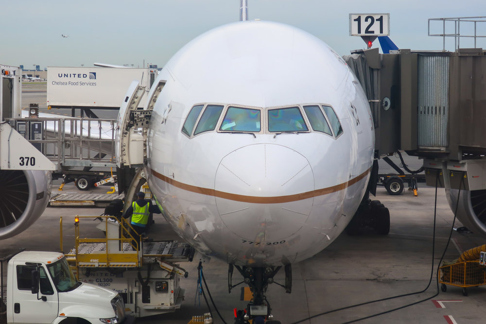United Airlines 777-200 Newark  Photo: Calvin Wood